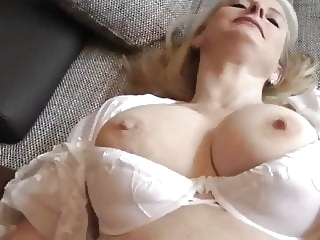 blowjob mature Cum in MUM